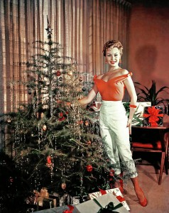 celebrities-dressed-for-christmas-in-the-past-20